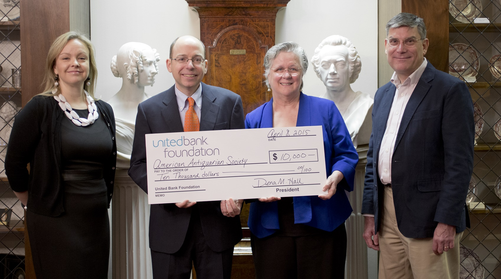 United Bank Donates to American Antiquarian Sociiety
